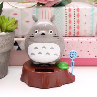 Totoro solaire dansant