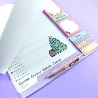Family Planner 2018/2019 Pusheen